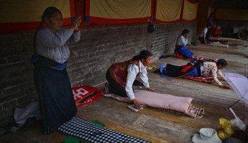 郭国汀:中共宗教灭绝是从精神上扼杀藏人
