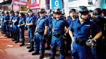 现场实录: 警施暴拘28人后 把守旺角多处