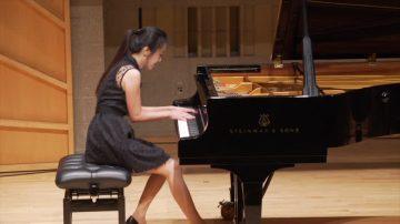 演绎古典曲目 钢琴大赛选手各有收获