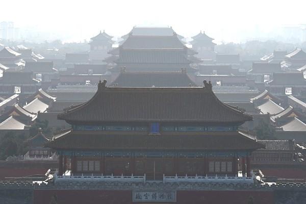 北京故宫匾额上有一根箭  200年没人敢摘
