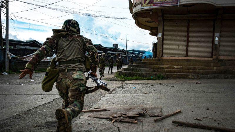 菲律宾清剿恐怖分子过程 宛如一场战争大片(视频慎入)