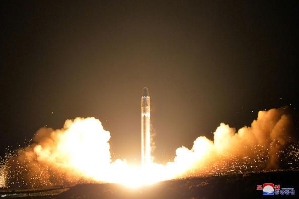 金正恩瞒天过海 朝最新导弹被揭飞行中解体