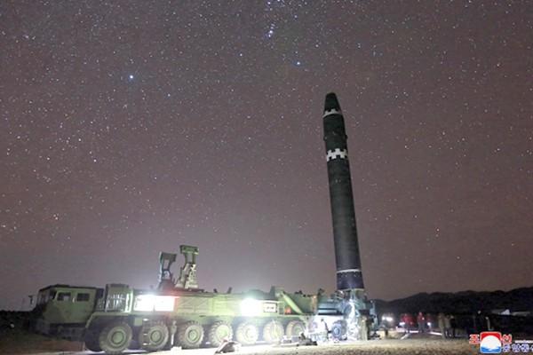 美国亮出杀手锏 微波武器可瞬间摧毁朝导弹系统(视频)