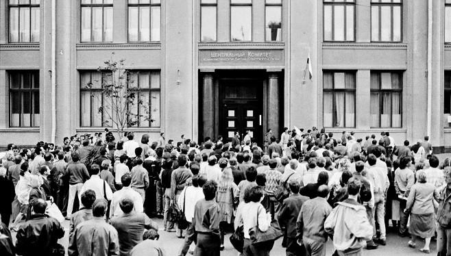 苏共解体26周年:被人民唾弃 共产阵营轰然崩塌