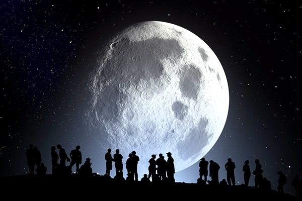 """月亮由七种珍宝合成?老和尚透露月亮的""""身世"""""""