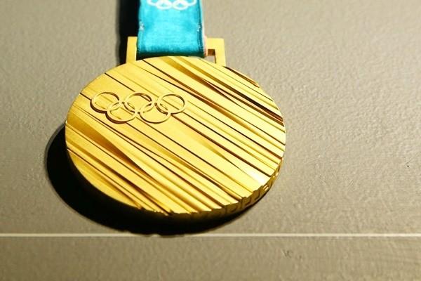 """史上""""重量级""""奖牌 平昌冬奥会金牌为99.99%纯银打造"""