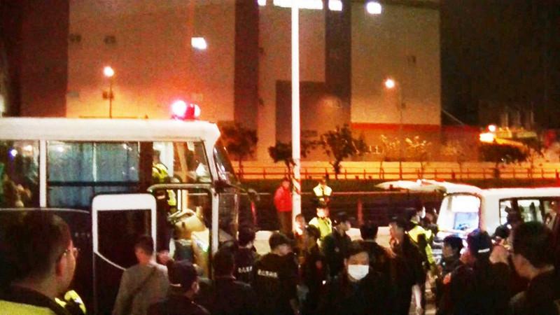 逾200警深夜出动 新北屠宰场逮85名逃逸外劳