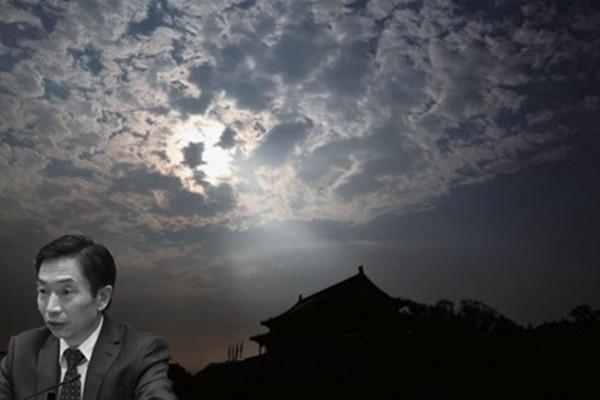 """""""自杀风""""刮进江泽民发迹地 原一汽副总跳楼身亡"""