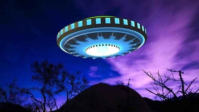 美飞行员拍到UFO 五角大楼公布视频(视频)