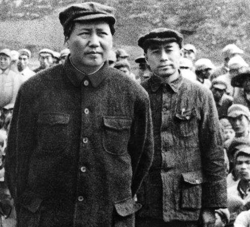 揭秘:毛泽东生病担心被下毒 女友们轮番陪