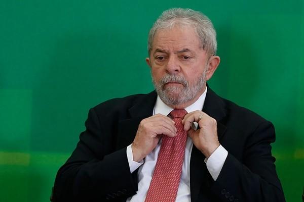 巴西前总统入监服刑 丧失总统参选资格