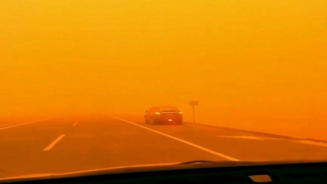 罕见沙尘暴袭内蒙 天地间一片橙红(视频)