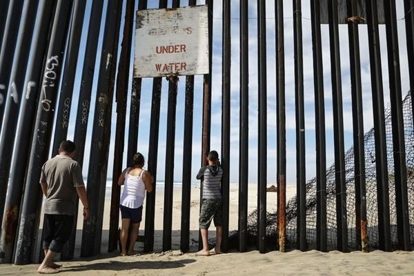 国民兵驻守美墨边境 美两州将派400人执勤