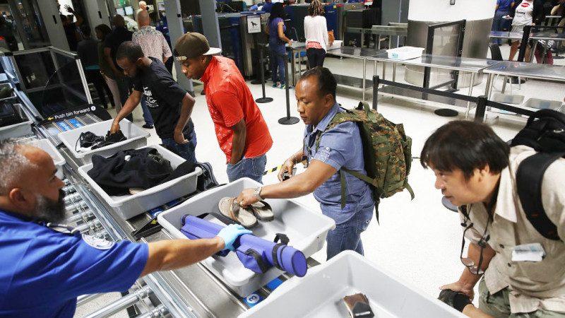 美机场安检再升级 严查随身行李食物、粉末