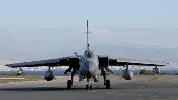 空袭叙利亚 美加码战斧 英发射暴风影
