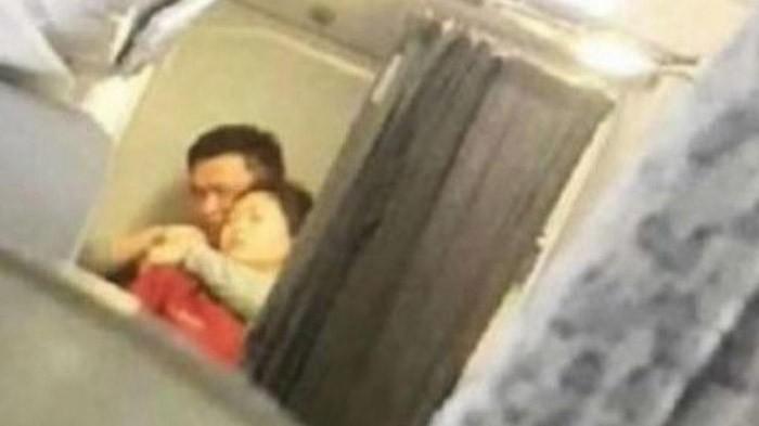 大陆国航班机遭劫持迫降郑州 凶器或是割刀