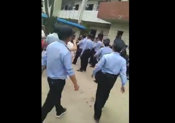 安徽维权抗议爆警民冲突 传有老人被打死 (视频)