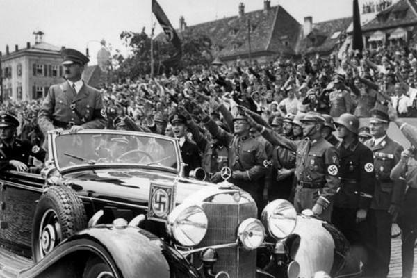 """希特勒没死? 丹麦发现""""希特勒潜艇"""""""