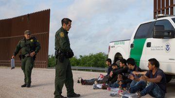 川普打击非法移民政策 获司法部长力挺