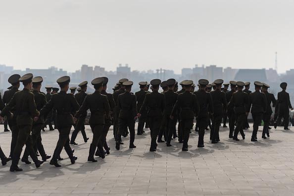 朝军中将说不再造核武 金正恩暴怒90弹枪决