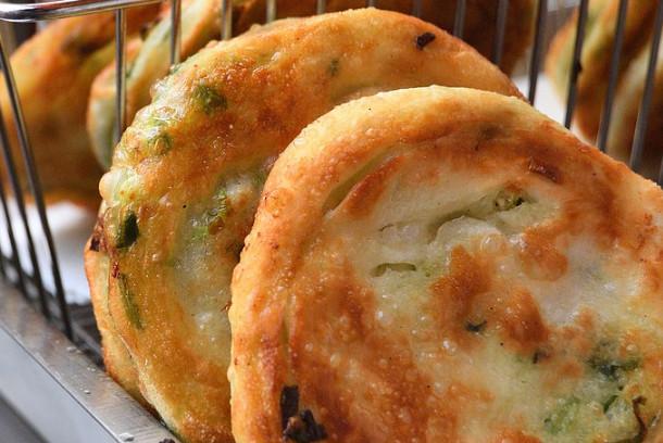葱油饼 简单家庭做法(视频)
