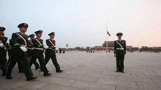 """美媒:中国处巨变前夜 """"百年大党""""正在末路狂奔"""