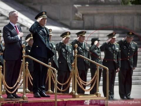 北京招待美防长出丑 军方被批损形象