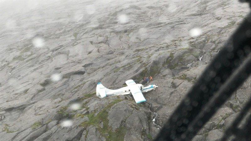水上飞机坠阿拉斯加山区 机上11人奇迹生还