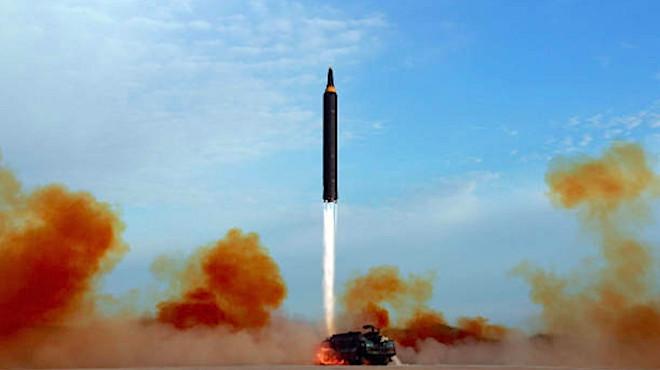"""朝鲜挖通军工厂地道:""""7分钟可射出洲际导弹"""""""