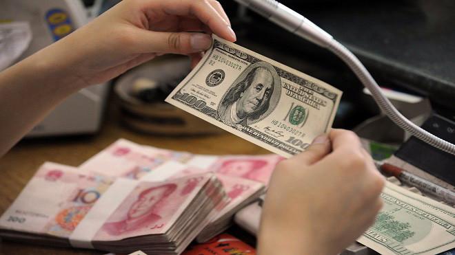 贸易战变金融战? 分析:中共放任人民币暴贬
