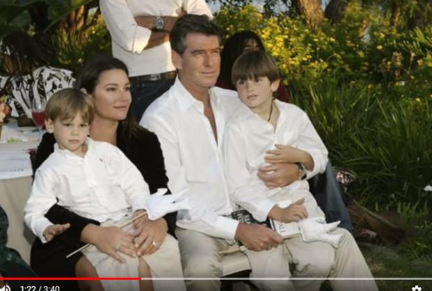 好莱坞男星25年来不变的爱(视频)