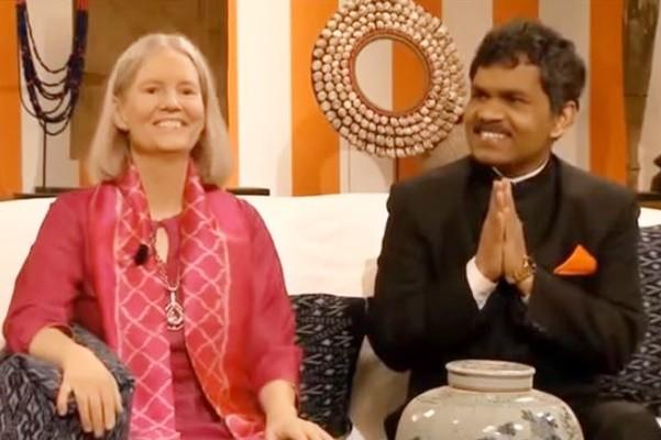 印度穷小子骑车5个月 去瑞典见贵族妻子