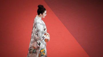"""ChinaUncensored(中国解密):中国著名女演员离奇""""被""""失踪"""