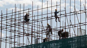 【热点互动】中国GDP增速创近十年新低 经济危机来临?