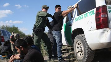 联邦报告:每个非法移民消耗美国纳税人7万元社会成本
