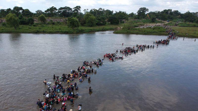 美国土安全部:大篷车移民来自20国 含270名罪犯
