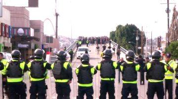 大篷车移民逼近边境 川普:或将关闭边境