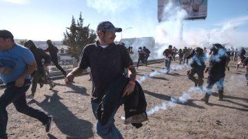 川普:合法入境是底线 暴力越界者必须驱逐