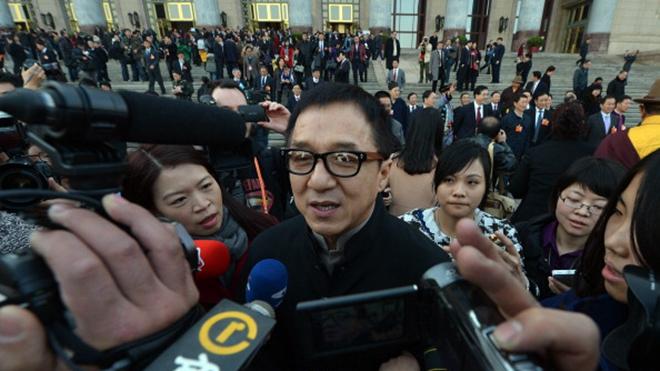 成龙北京豪宅被强制拍卖 儿子曾在此吸毒被捕