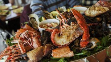 中朝贸易走私 丹东随处可见朝鲜螃蟹