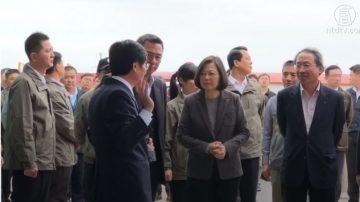 """蔡英文抵达金门 台依""""战情系统""""防猪瘟"""