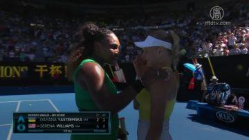 胜者柔情在 澳网赛场上的感人情景
