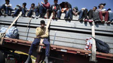 新增大篷车进入危地马拉 川普再发边境危机警告