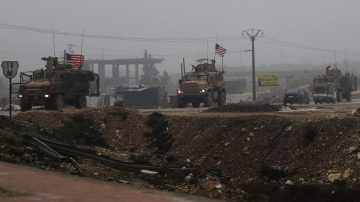 暂不全部撤出叙利亚 白宫宣布留200美军维和