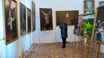 真善忍国际美展 乌克兰基辅开幕