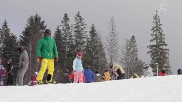 野外滑雪代价高 橙县滑雪者落崖身亡