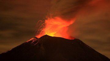 墨西哥北部火山爆发 轰隆巨响传40公里外